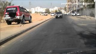 Видео: Test Driving Nissan Sunny 2004 - Video in Jeddah Ремо ...